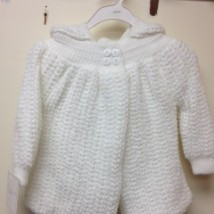 White knit hooded jacket