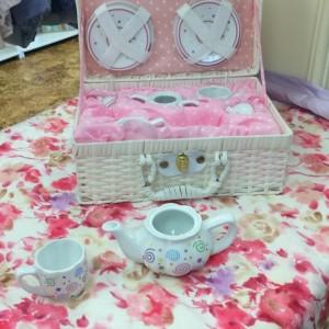 Swirls Tea Set