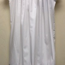 White Rosebud Sac Gown